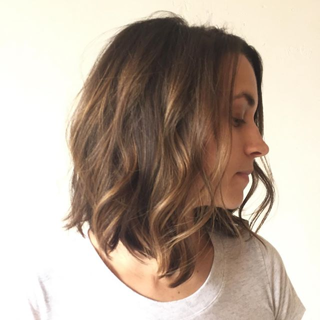 Fantastic Layered Messy Bob Hairstyle For Medium Thick Hair Styles Weekly Hairstyle Inspiration Daily Dogsangcom