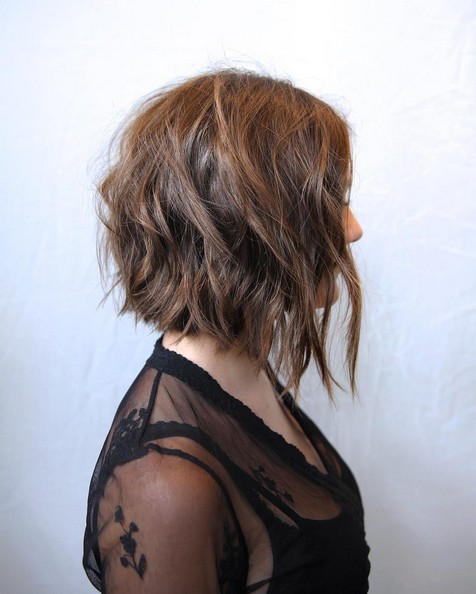 sexy soft wavy a-line bob hairstyle for women