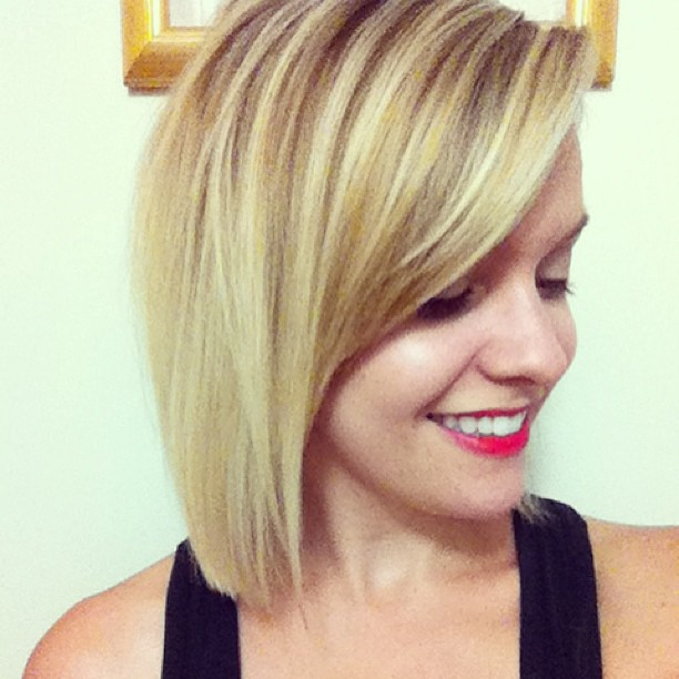 21 Totally Chic Short Bob Haircuts & Hairstyles With Bangs