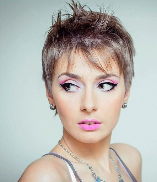 Stylish Short Haircut for Thin Hair