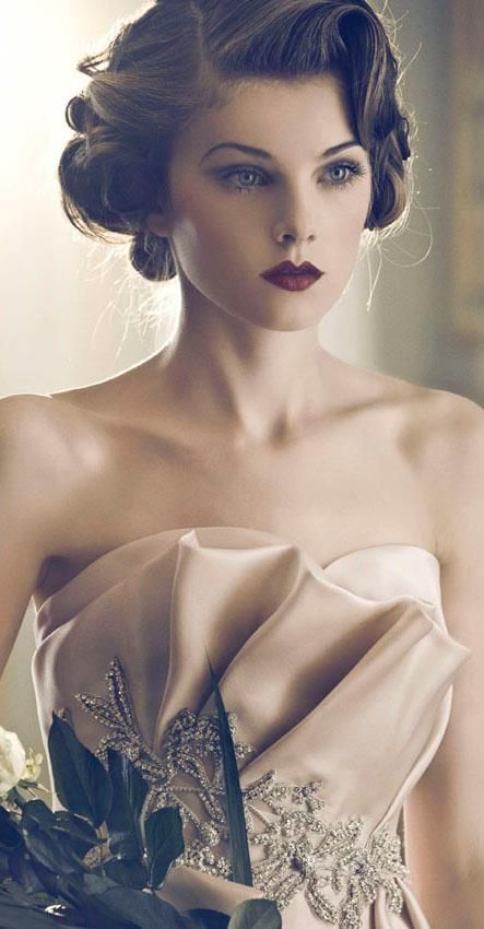 Glorious Vintage Updo Hairstyle