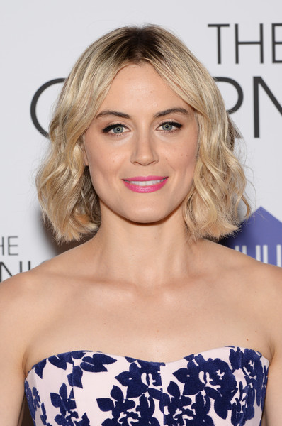 Blonde Wavy Bob with Pink Lips