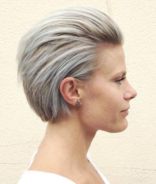 Chic Ash Blonde Short Haircut