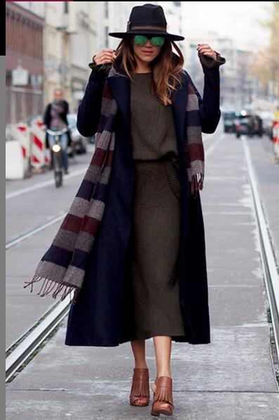 Gorgeous Knee-Length Coat Outfit with A Hat