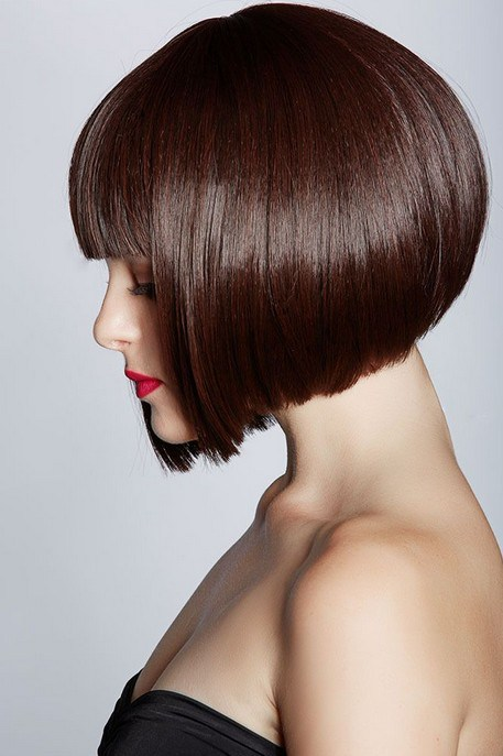 Pretty Inverted Bob with Blunt Bangs
