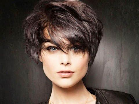 Tousled Short Hairstyle for Straight Hair