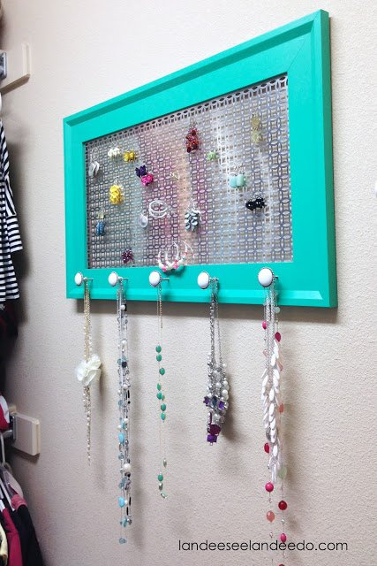 DIY Accessory Displaying Board