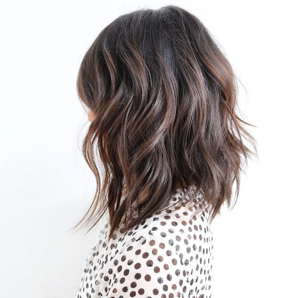 layered wavy bob hairstyle for women