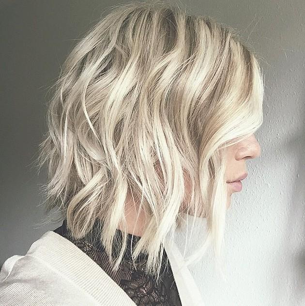 medium wavy bob hairstyle 2016