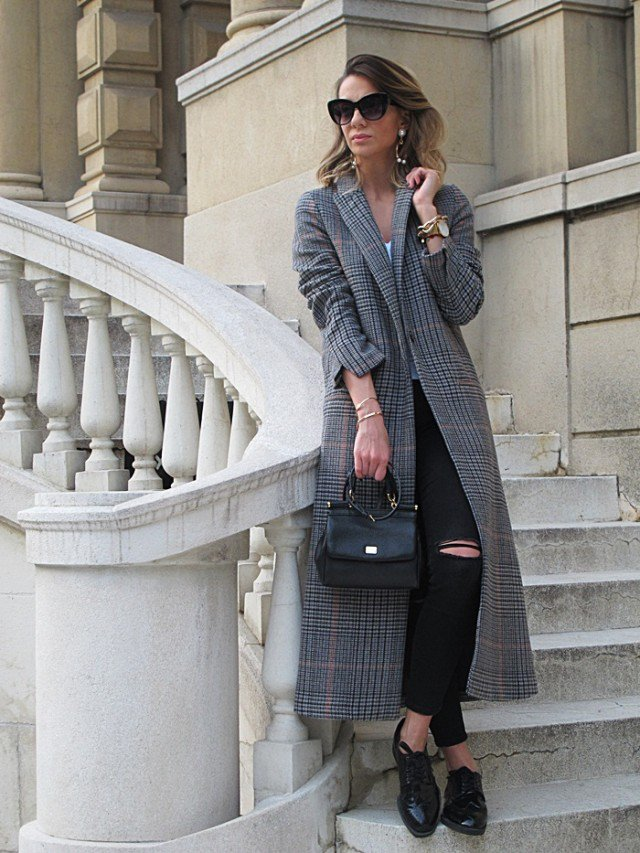 Graceful Grey Knee Coat Outfit