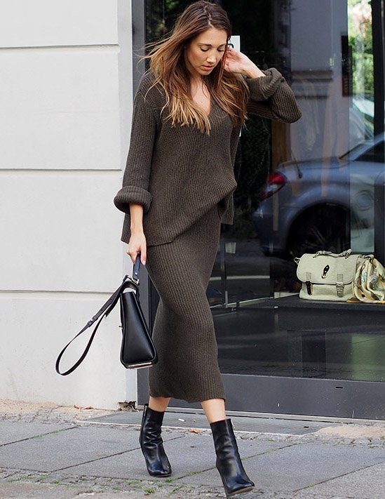 Fashionable Knitted Dress Outfit