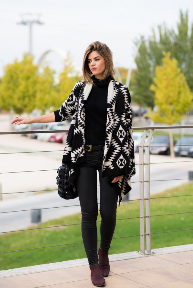 Black and White Cardigan Outfit for Work