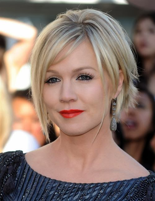 Pretty Blonde Bob with Long Fringe