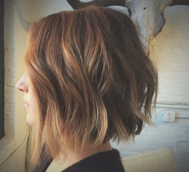 textured choppy bob haircut with waves