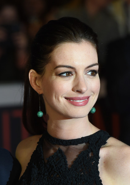 Anne Hathaway Simple Yet Stylish Ponytail