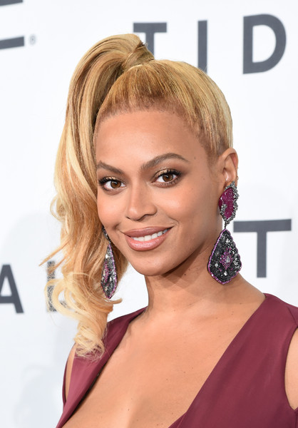 Beyonce Knowles Side Ponytail