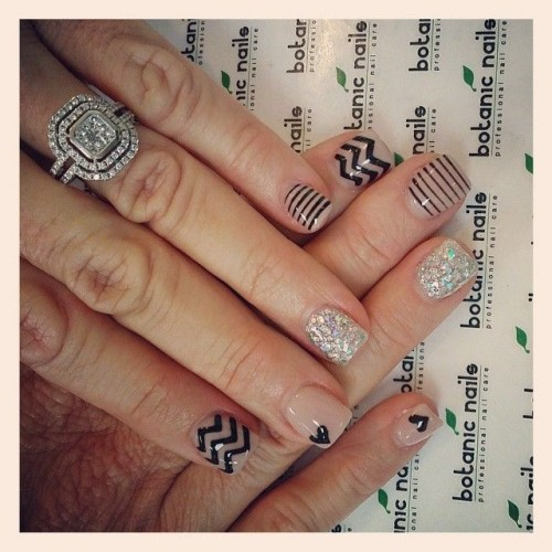 Chic Short Nail Design