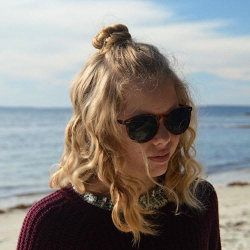 Peachy Cute Half Updo Hairstyle For Teenage Girls Styles Weekly Hairstyles For Women Draintrainus
