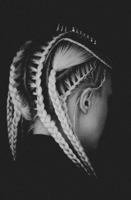 Fabulous Corn Row Hairstyle for Women