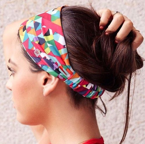 Fashionable Casual Bun with Headband for Sports