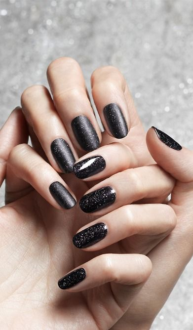 Fashionable Shimmering Black Nail Design for Short Nails