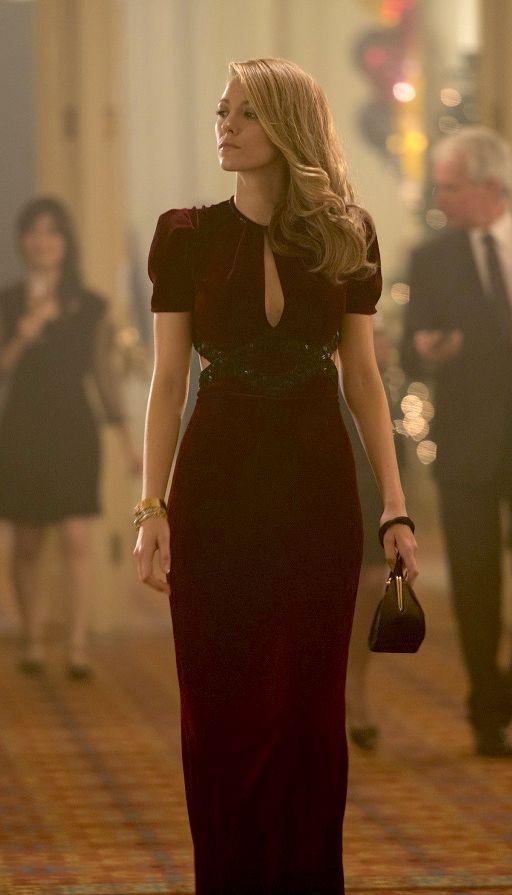 Sophisticated Velvet Dresses for New Year's Eve