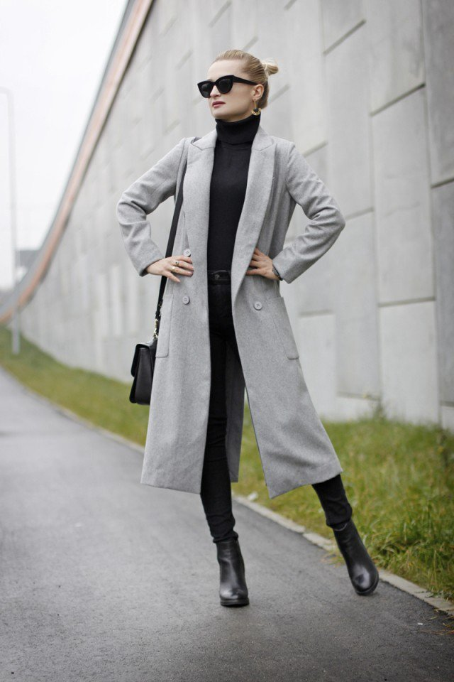 Fashionable Grey Long Coat Outfit Idea