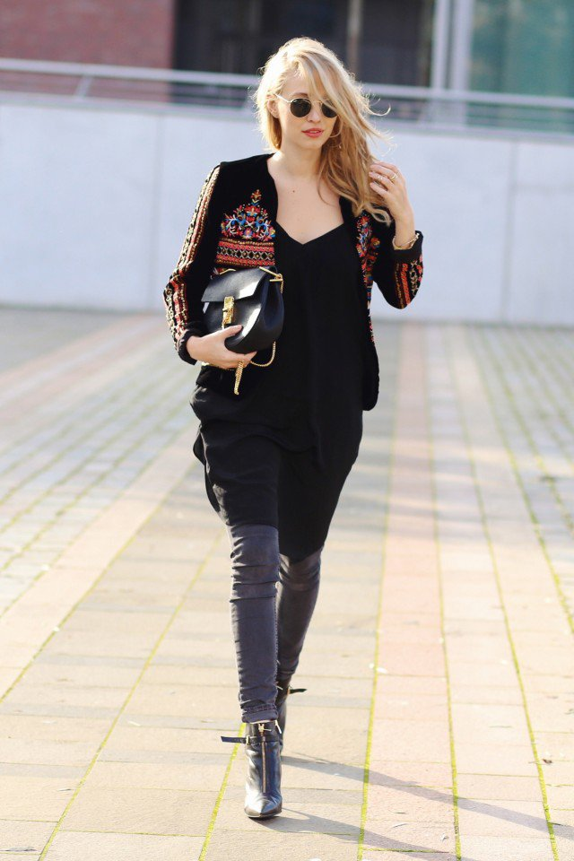Chic Printed Velvet Top Outfit