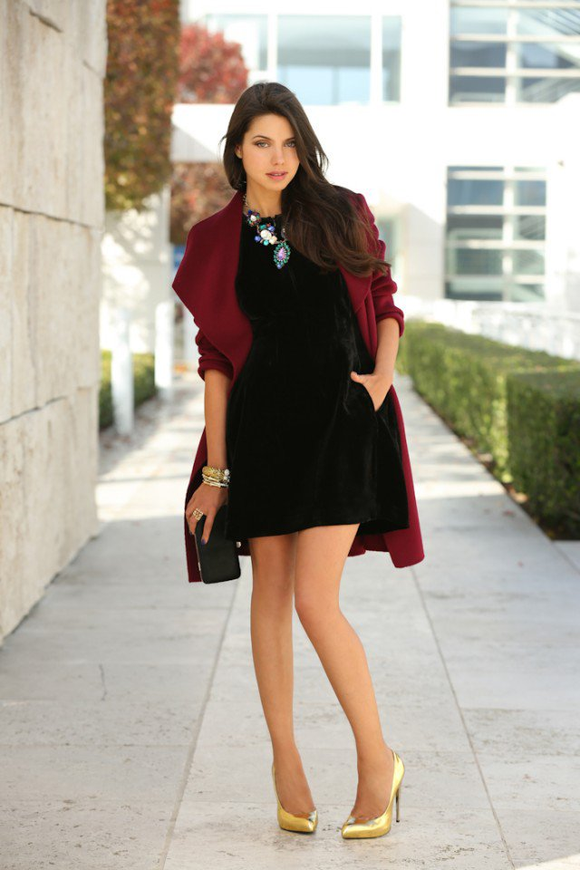 Stylish Black Velvet Dress Outfit Idea