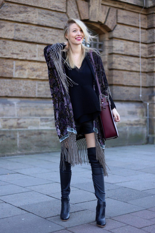 Stylish Floral Velvet Cardigan Outfit