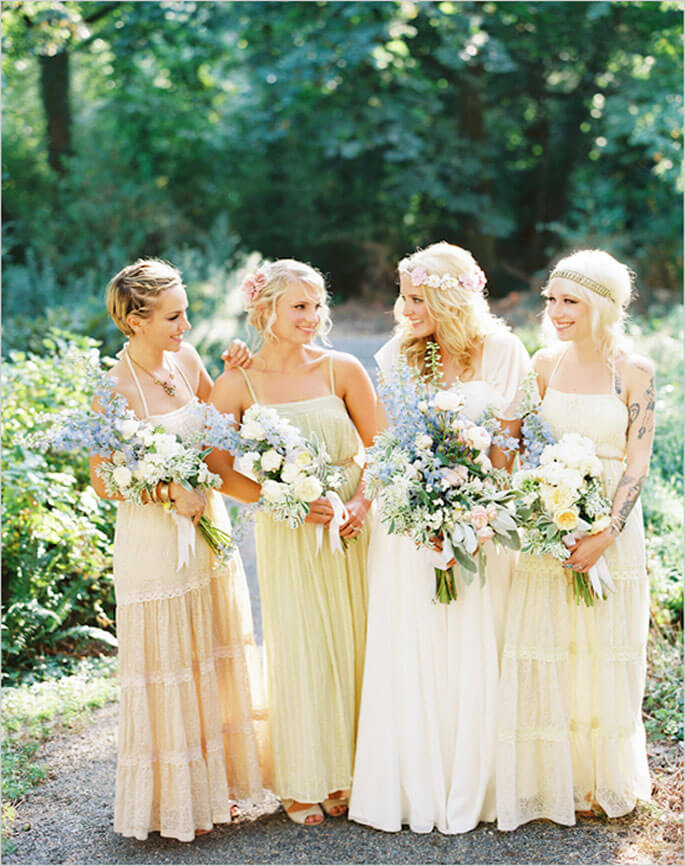 bridesmaids in cream colored dresses