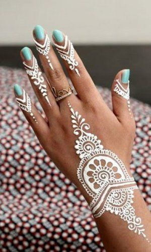 Beautiful Henna Tattoo Designs For Your Wrist: 15 Breathtaking Henna Tattoo Designs You Will Love