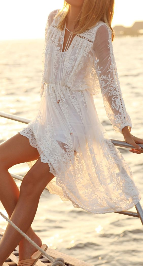 48dd5938716 17 Fantastic Ways to Wear Lace Dresses This Summer