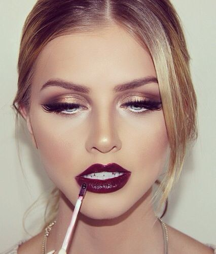 Stylish Party Makeup Look /via