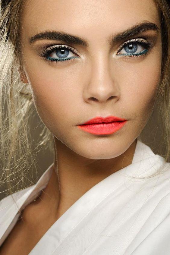Cara Delevingne Makeup