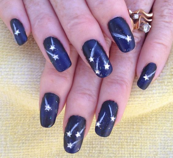 Shooting Star Nail Design - 17 Stunnig Star Nail Designs For Fashionistas Styles Weekly