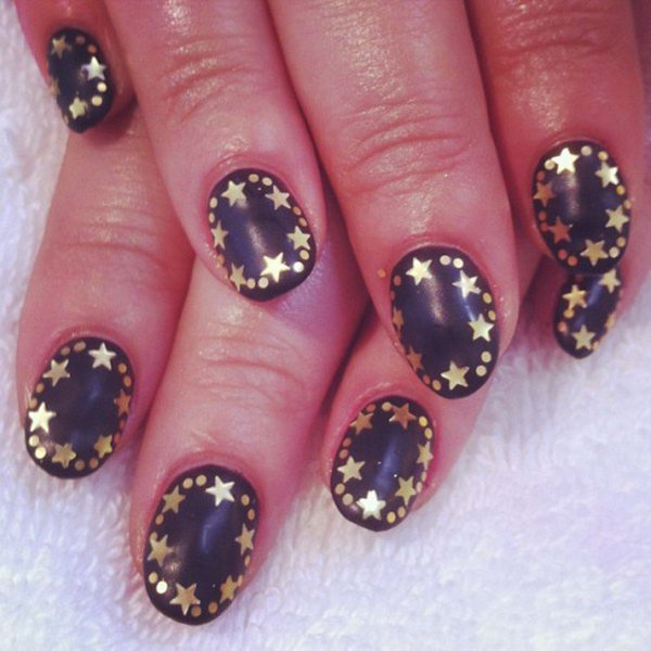 Star nail art best nails 2018 17 stunnig star nail designs for fashionistas styles weekly prinsesfo Images