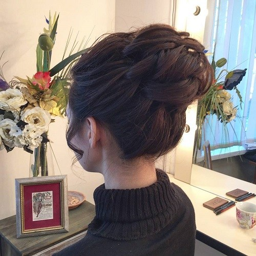 Chic Top Buns for Summer - Bun Updos