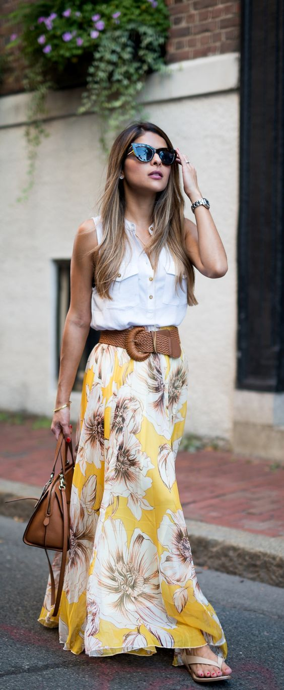 495c36182fab 16 Beautiful Maxi Skirt Outfits for Summer | Styles Weekly
