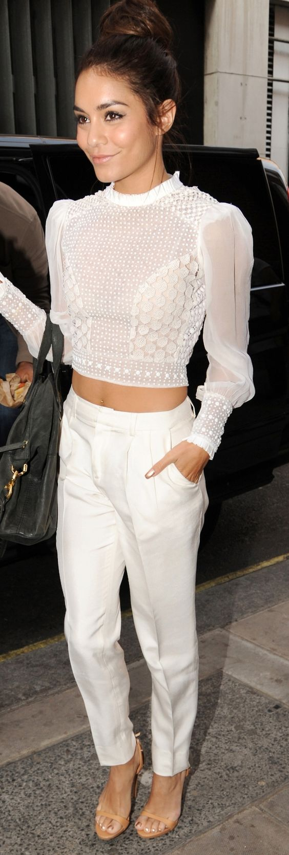 16 Chic White Outfits To Wear In Summer | Styles Weekly