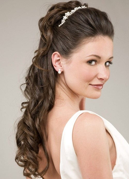 22 Beautiful Wedding Hairstyles For Curly Hair Styles Weekly
