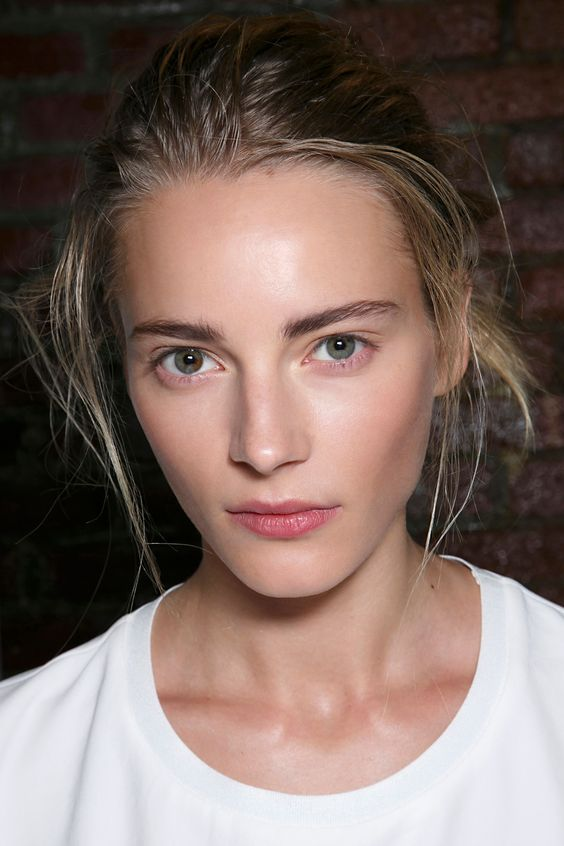 Tips on How to Pull Off a Natural Look