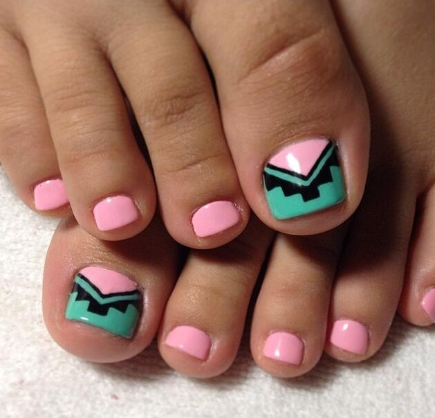 Cute Tribal Toenail art idea