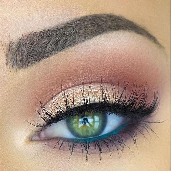 10 Amazing Makeup Looks Featuring Green Eyeshadow