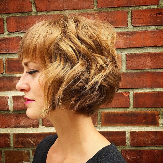 20 Feminine Short Hairstyles for Wavy Hair: Easy Everyday Hair Styles