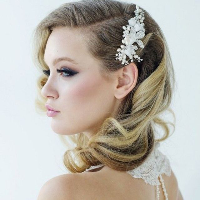 20 Gorgeous Bridal Hairstyle and Makeup Ideas for Women