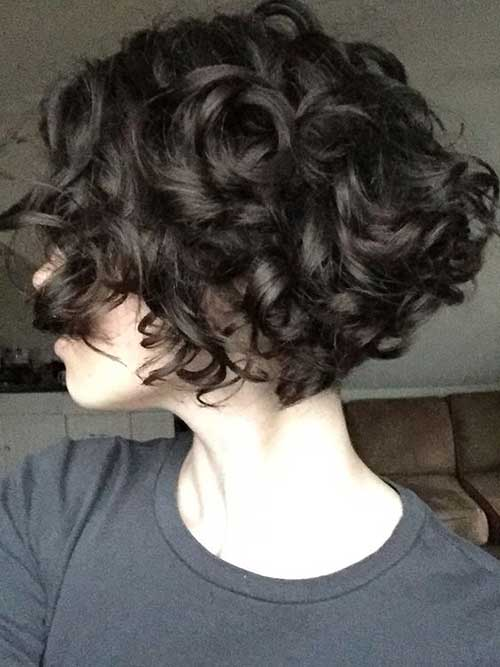 short hair curly style 25 lively haircuts for curly hair wavy curly 4489 | 25 lively short haircuts for curly hair short wavy curly hairstyle ideas