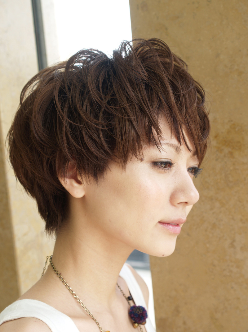 30 Pretty Short Haircuts for Every Woman