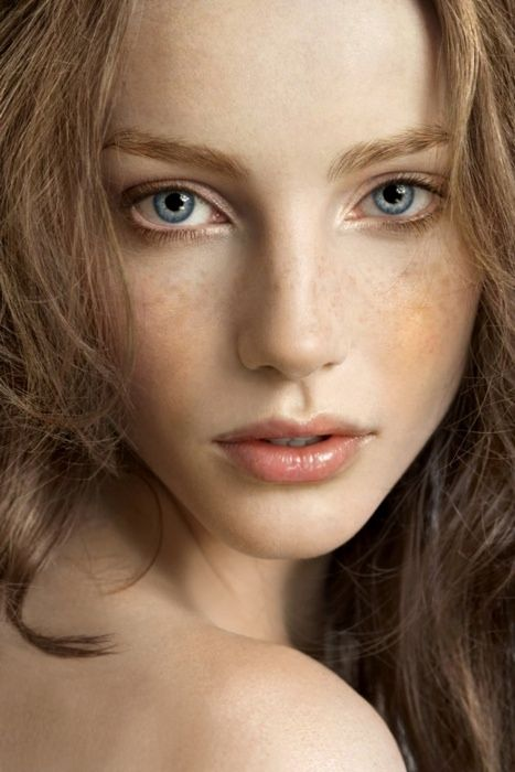 Top 7 Makeup Tips For Women With Pale Skin